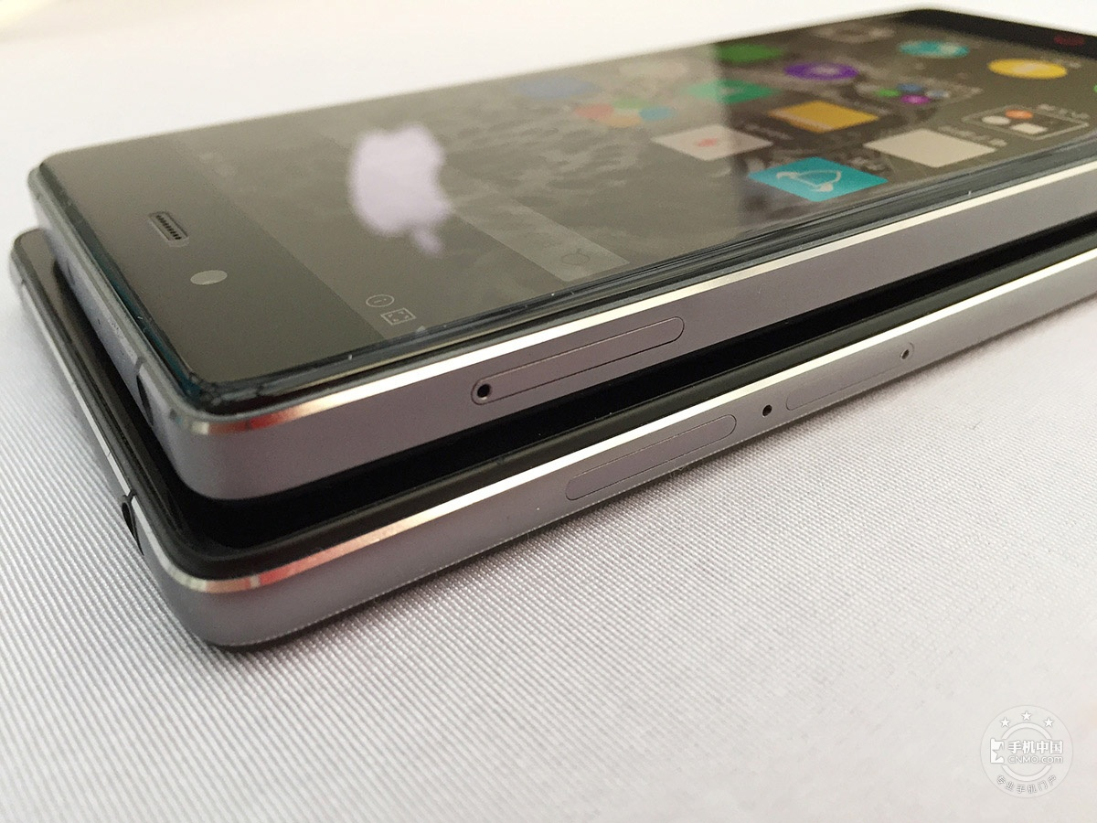 努比亚Z9Max(全网通)产品对比第2张