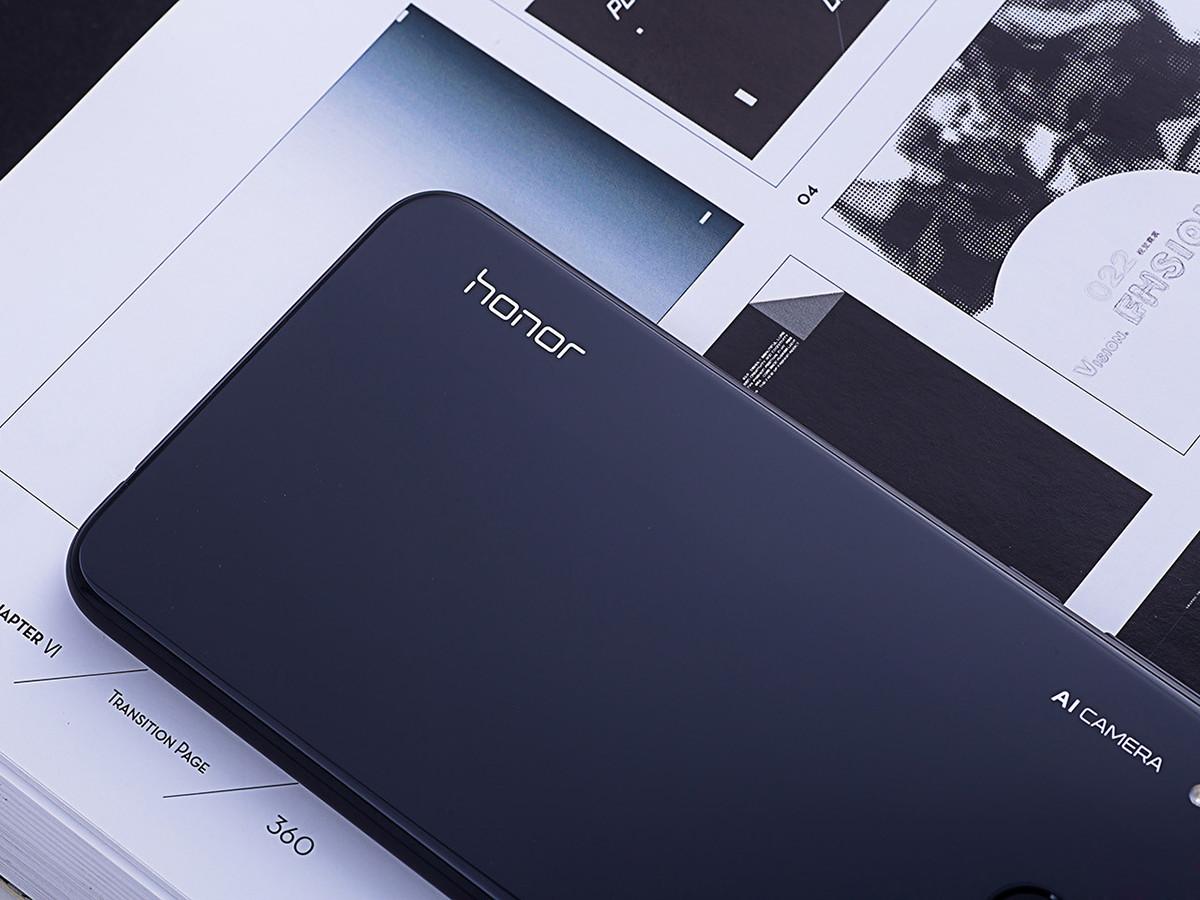 荣耀8X(6+128GB)机身细节第7张
