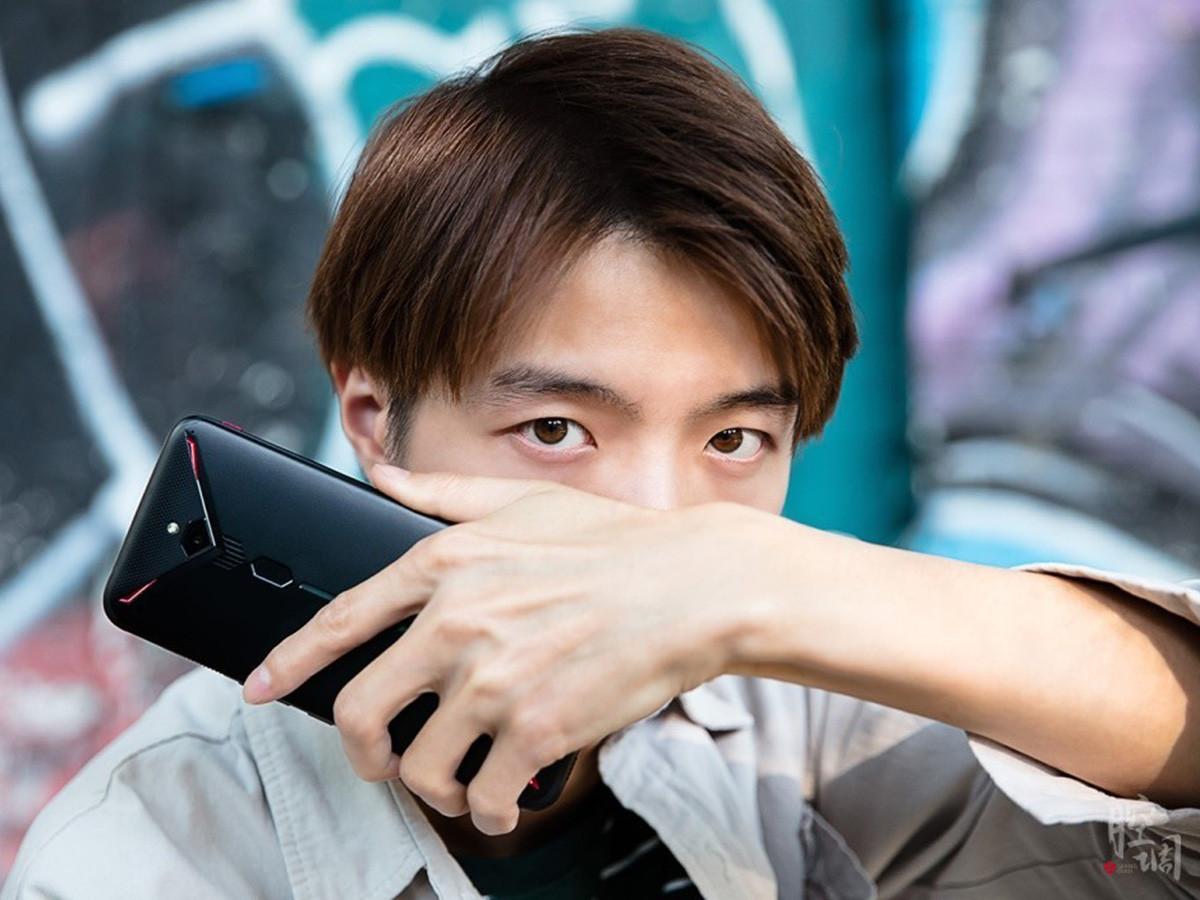 努比亚红魔3电竞手机(8+128GB)时尚美图第3张