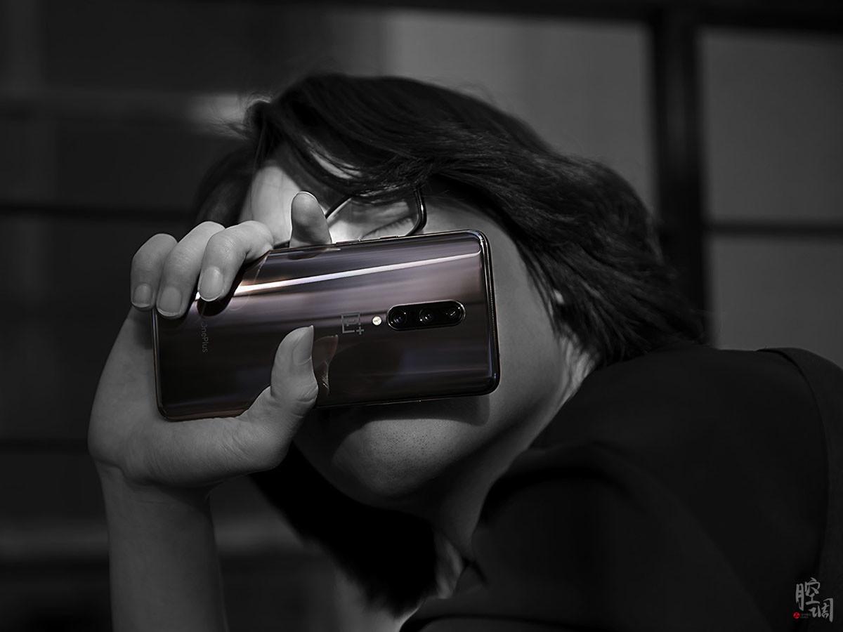 一加手机7Pro(12+256GB)时尚美图第4张
