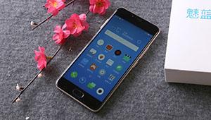 【魅蓝5】魅蓝5配备5.2英寸高清显示屏,2.5D弧度屏也出现在了魅蓝5身上,让该机拥有了盈而不溢的饱满观感。搭载联发科MT6750八核处理器,内存配置2GB/3GB RAM+16GB/32GB ROM。